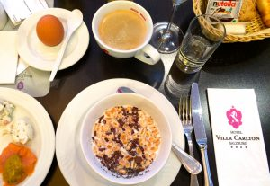 Frühstück im Hotel Villa Carlton