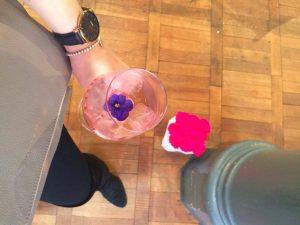 Köstlich war der Lillet und harmonierte super mit den Blumen von Emmie Gray