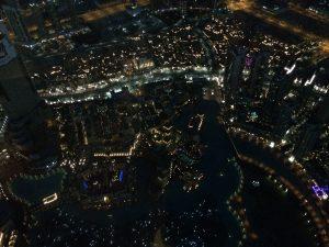 Glitzerndes Dubai bei Nacht