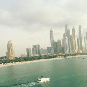 Dubai vom Meer aus gesehen
