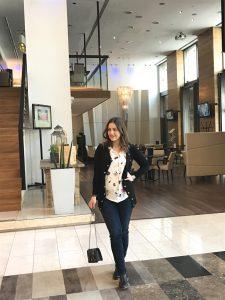 In der Lobby und vor dem Zita Café des Hotels