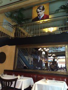 Im Cafe Central haben wir schön gefrühstückt