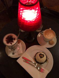 Köstliche Kuchen und ausgefallene Kaffee-Spezialitäten