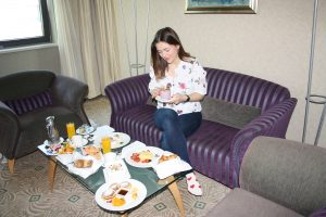 Ein herrliches Frühstück auf dem Hotelzimmer