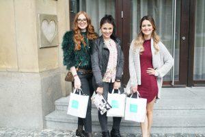 Aleša, Julia und Viola freuten sich über die Goodie Bags vom Fashiondeluxxe Charity Bazar