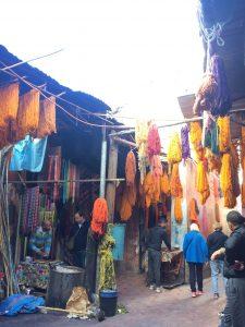 Färbergasse auf dem Souk von Marrakesch