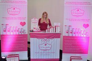 Hier gab es tolle Kosmetik Produkte und interessante Facts über Haut und Kosmetik (Foto: Facebook Secret Fashion Show)