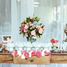 Hochzeitsgast: Elegante Looks und Outfit Ideen für den Sommer