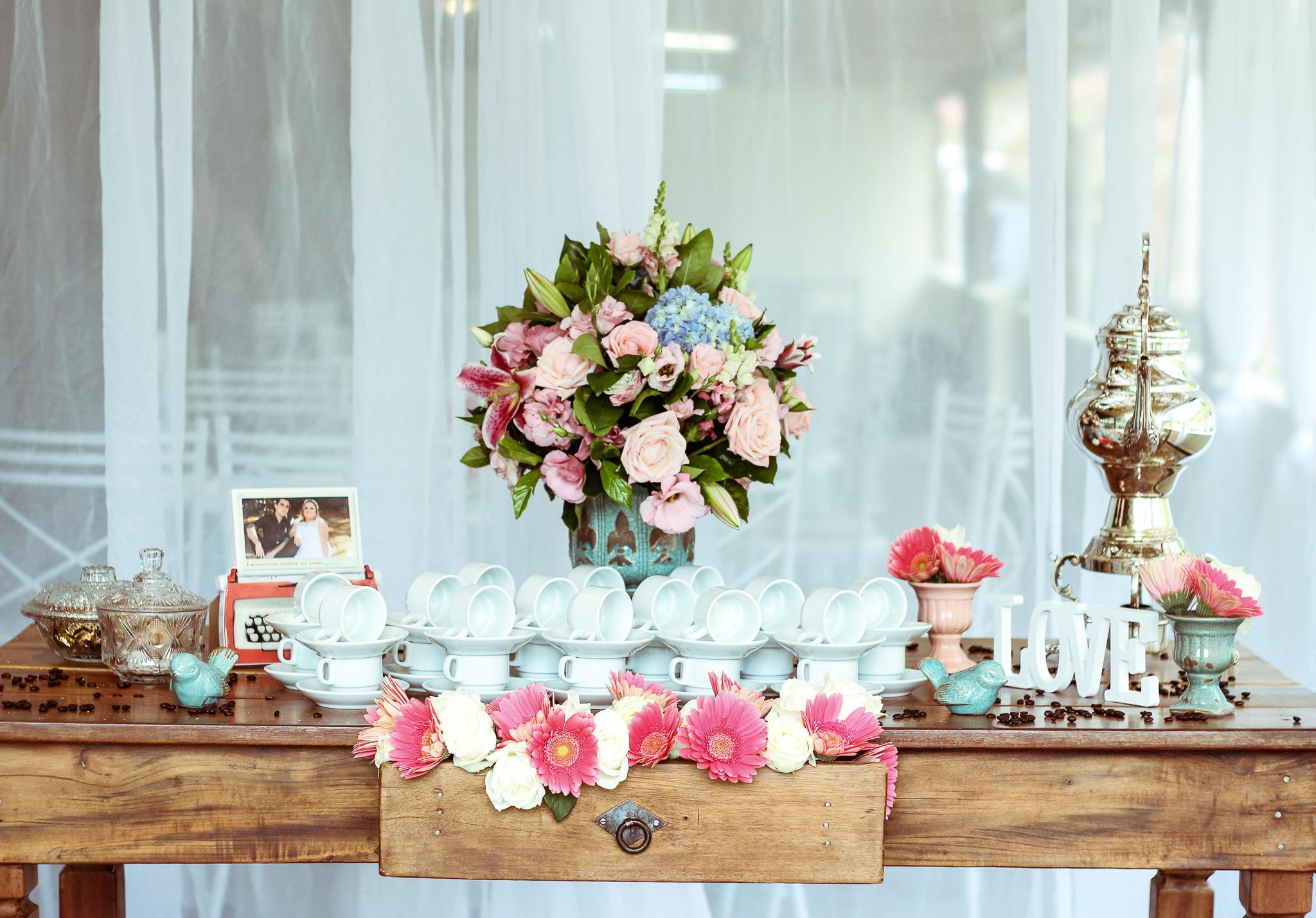 Hochzeitsgast: Elegante Looks und Outfit Ideen für den Sommer Farbe