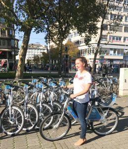 Tagesausflug nach Düsseldorf: Ich teste das Fahrradverleihsystem FordPass Bike!