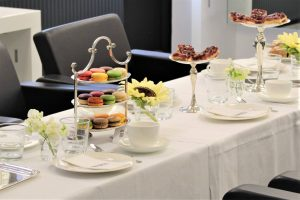 Macarons und Kuchen by MAELU beim Kaffeeklatsch by Peter Safarik - Event Report