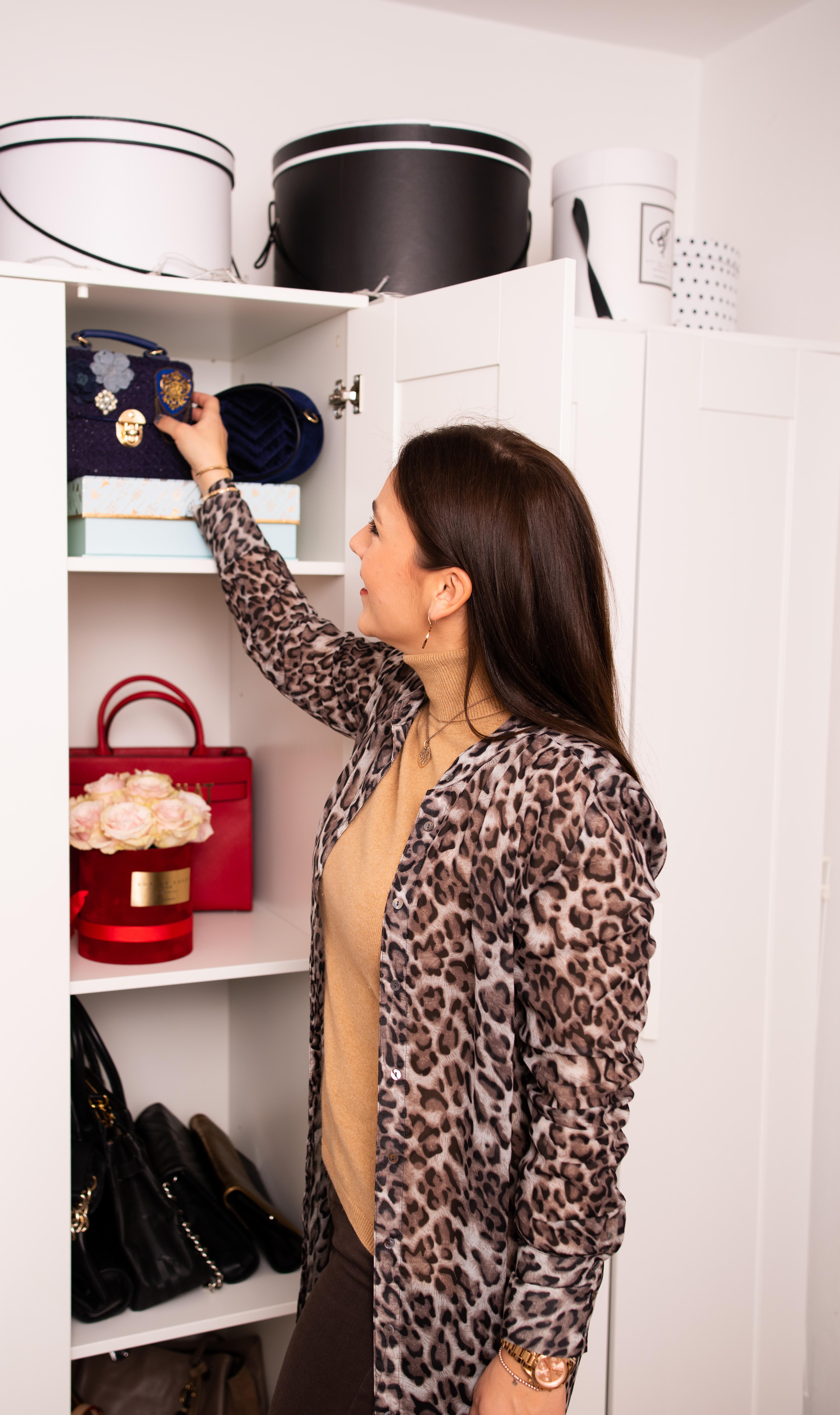 Kleiderschrank Check, Style Coaching, Neuer Look - Nathalie Dorff von Fashiondeluxxe mit Handtaschen