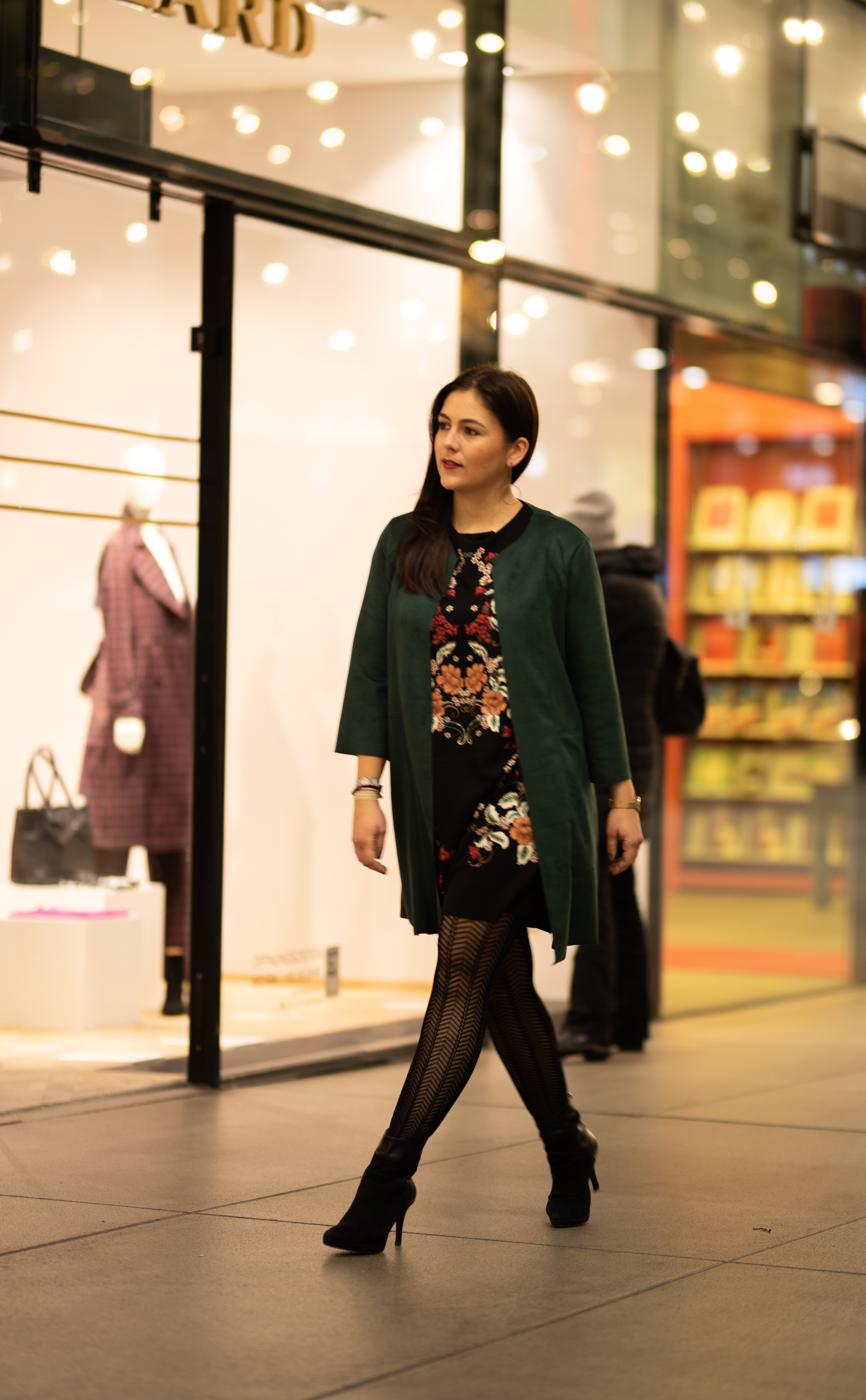 Kleiderschrank Check, Style Coaching, Neuer Look - Nathalie Dorff von Fashiondeluxxe in einer Outfitkombination von Jasmin Leheta