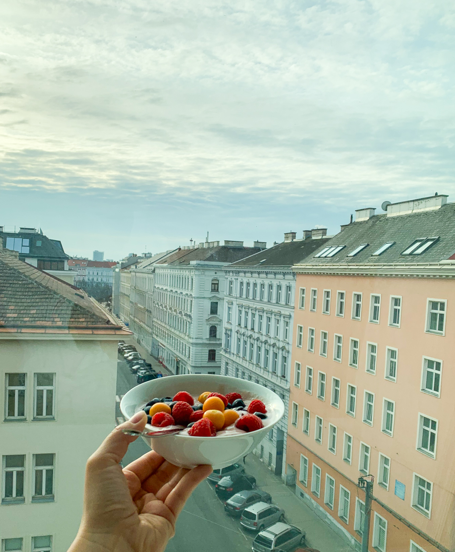 Frühstück über den Dächern von Wien in den Vienna Grand Apartments, einer Alternative zum Hotel in Wien