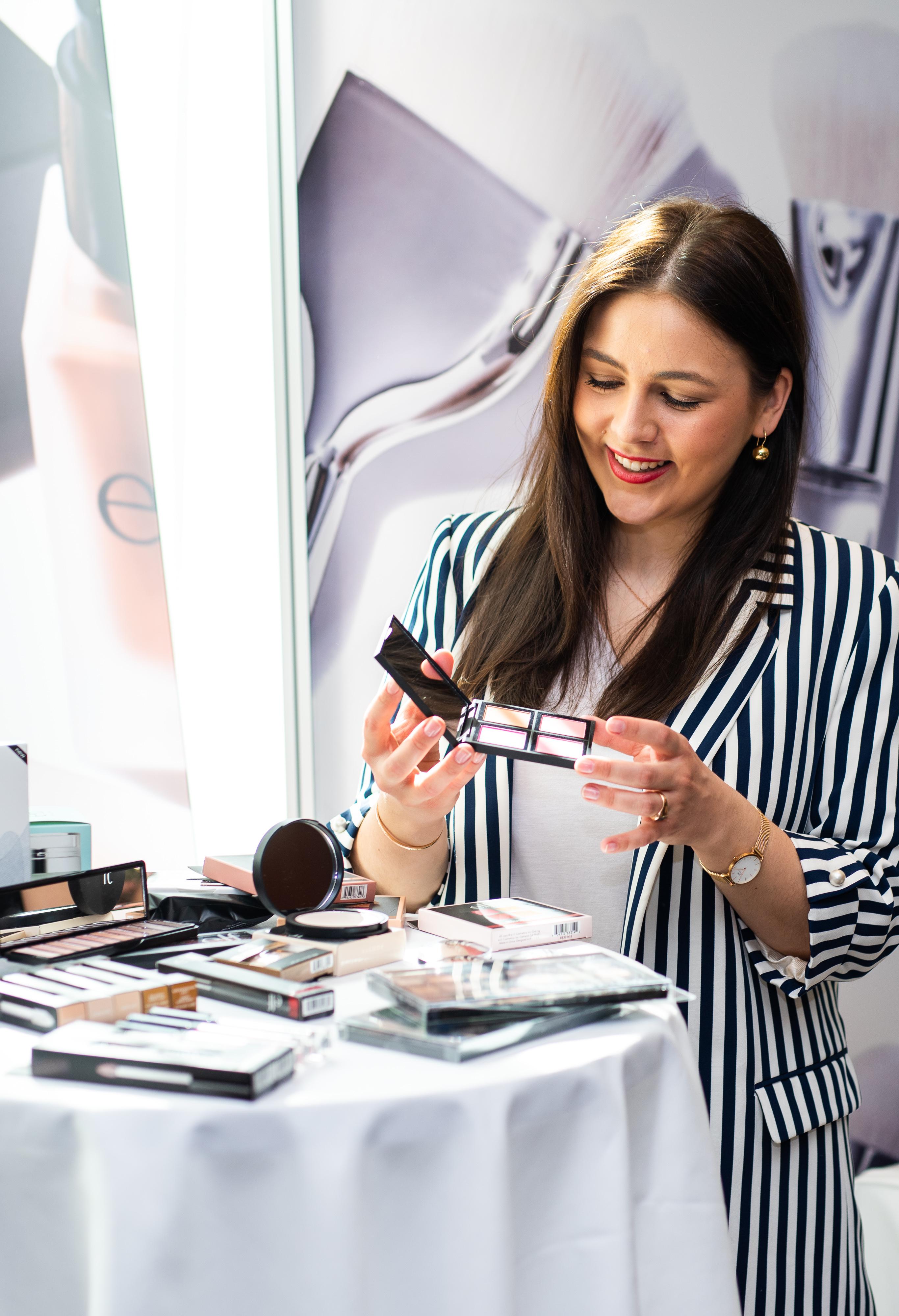 Networking Deluxe by Mediadeluxe! Die Fashiondeluxxe Style Party - Edition: Business bot den Business Women in München eine stilvolle Plattform für's Netzwerken - Make Up Produkte