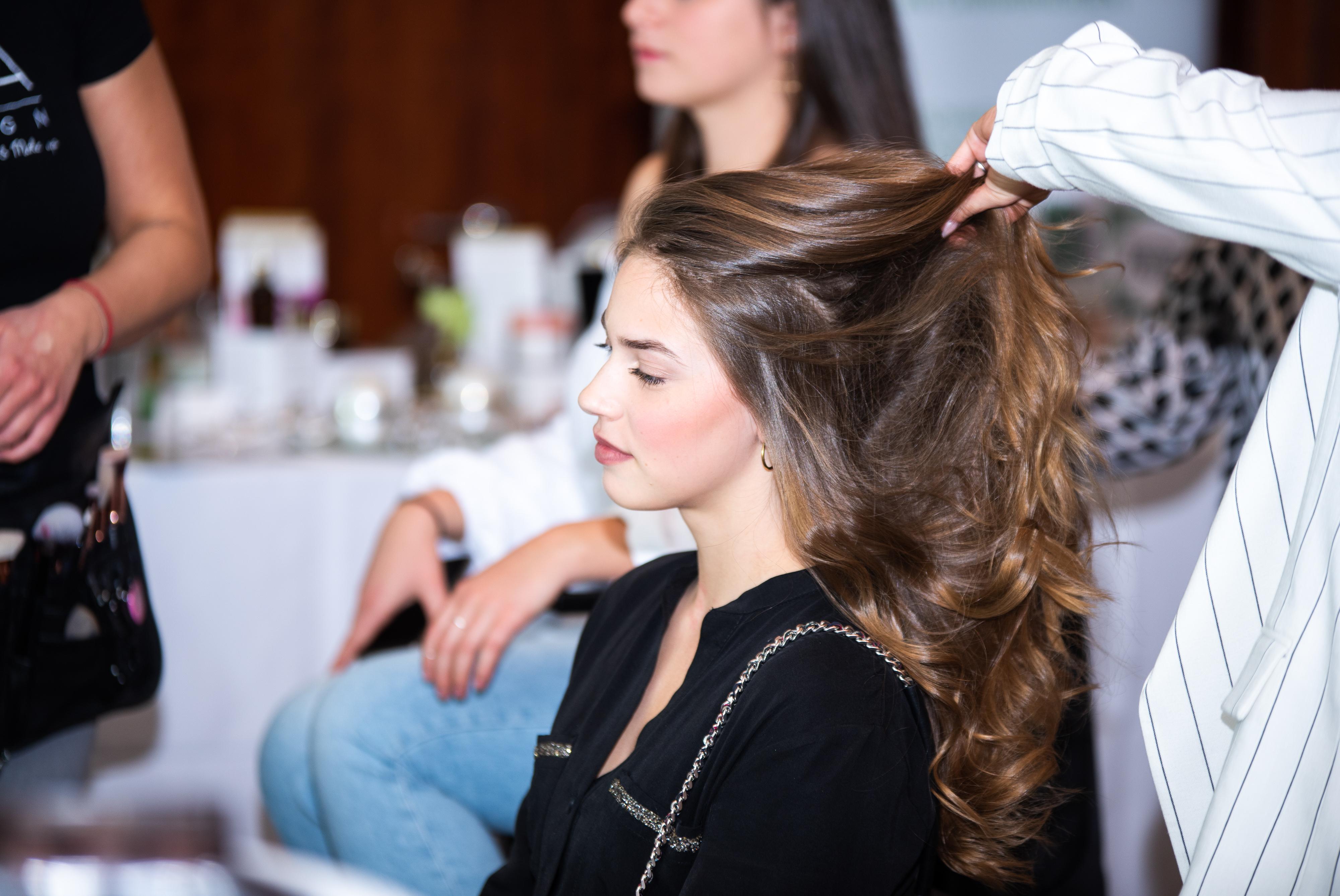 Networking Deluxe by Mediadeluxe! Die Fashiondeluxxe Style Party - Edition: Business bot den Business Women in München eine stilvolle Plattform für's Netzwerken - Hair Styling